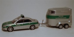 Audi A4 Polizei mit Pferdeanhänger